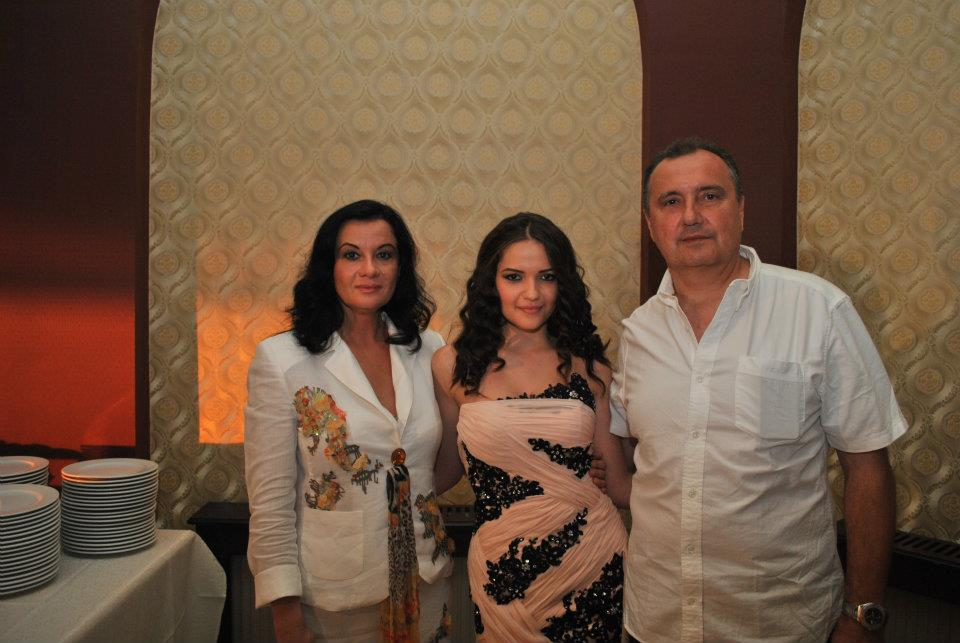 Simona Cavalu and her family